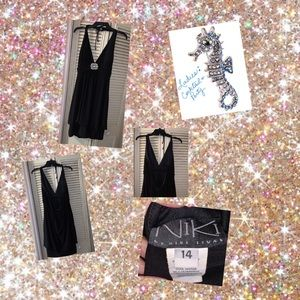 Dresses & Skirts - 🐬 Black Cocktail Dress with Rhinestone Accent